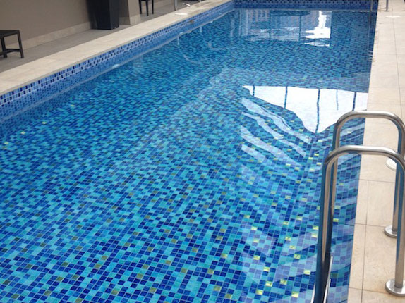 Commercial pool tiles victoria australia for Best thinset for swimming pool tile