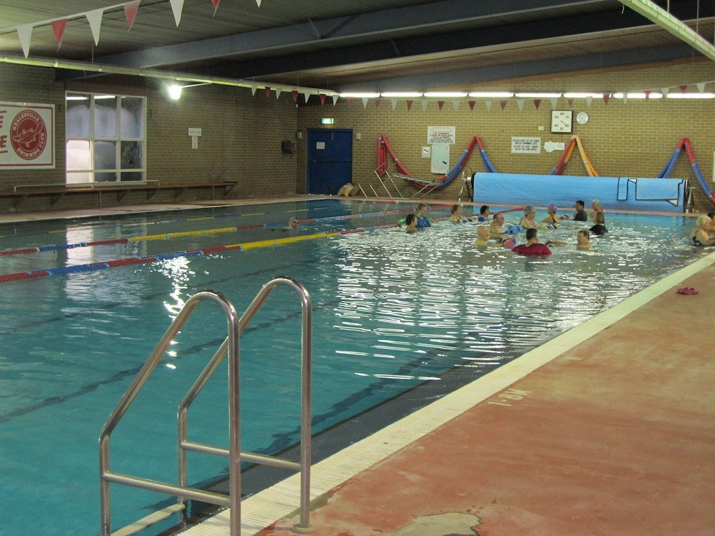 Commercial pool tiles victoria australia for Commercial swimming pool